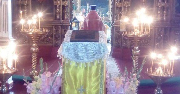 Прихожане помолились о помощи Божией своим близким, страдающим от пагубных зависимостей