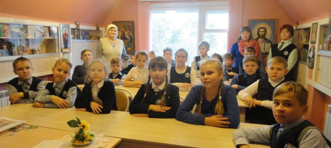 Ученики  школы № 13 –гости Свято-Троицкого Архиерейского подворья г. Ирбита