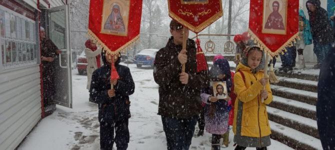 Молебен и крестный ход на Пасху в Свято-Троицком Архиерейском подворье г.Ирбит