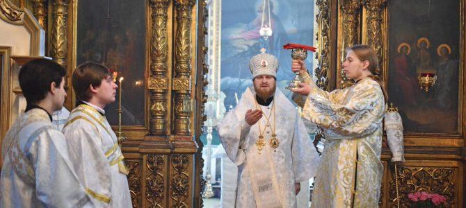 2 мая — Архиерейское богослужение в день памяти св. блаженной Матроны Московской