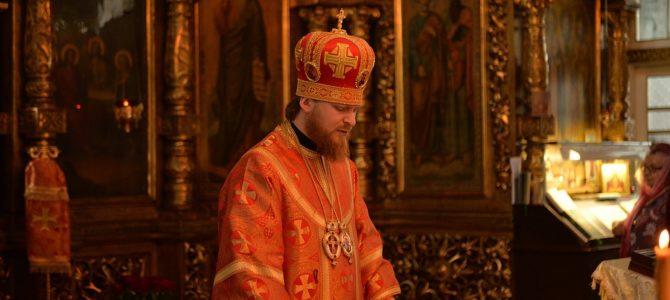 В день памяти великомученика и целителя Пантелеймона, в Свято-Троицком Архиерейском подворье г. Ирбита совершена Божественная литургия