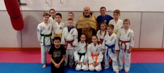 Первый молебен на начало доброго дела  в клубе каратэ  «Ирбис»