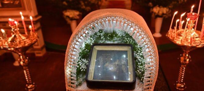 Праздничная Рождественская Божественная литургия в ночь на 7 января